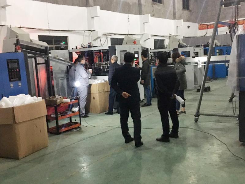 20171222 韩国客户来厂验收机器