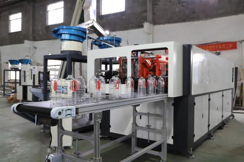 五升油瓶一出二吹瓶机自动上把手和瓶坯 全自动吹瓶机行业20年